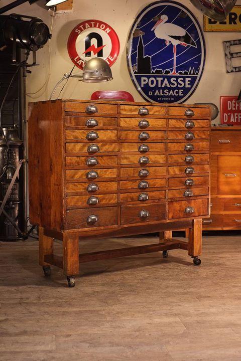 meuble de metier ancien en érable massif plus d'info sur : http://ift.tt/1nPq8am #deco #design #loft #industriel