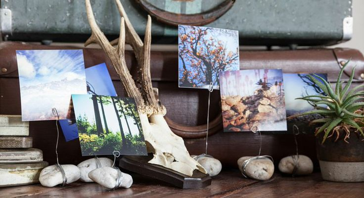 Do It Yourself! Instead of buying desktop photo holders, make your own inexpensive and personalised ones! http://www.ormsprintroom.co.za/news/?post=39585&utm_source=Orms+Print+Room+%26+Framing&utm_campaign=ec666812b6-Squarecrazy12_2_2014&utm_medium=email&utm_term=0_0681ad9e8e-ec666812b6-293333009