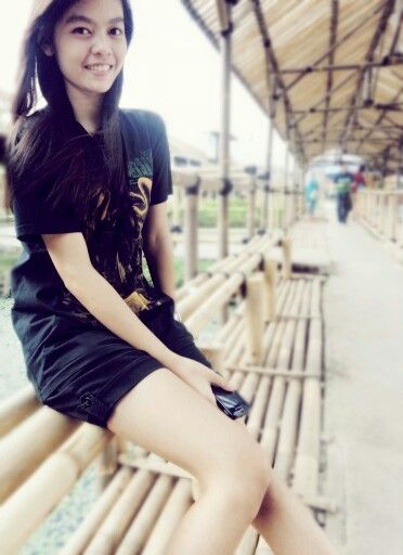 My girl wear @SIKSAKUBUR_DM t-shirt at floating market, lembang. West Java :* \m/