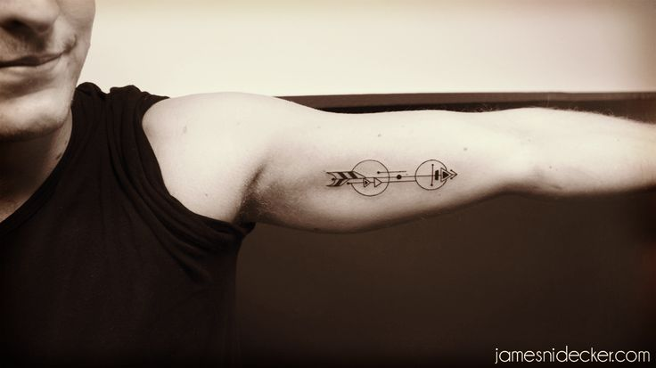 Amsterdam Dots & Blackwork Tattoos : Photo