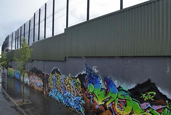 peace wall Belfast