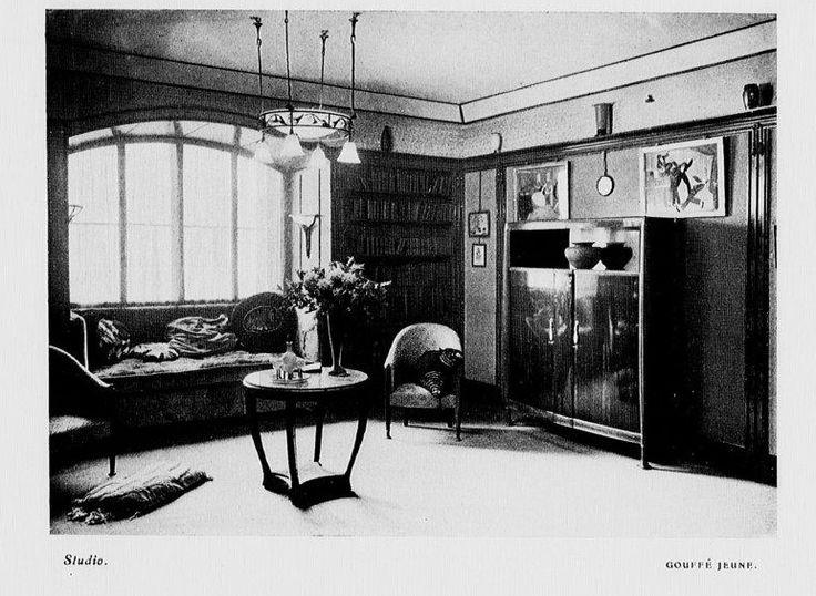 studio, 1922