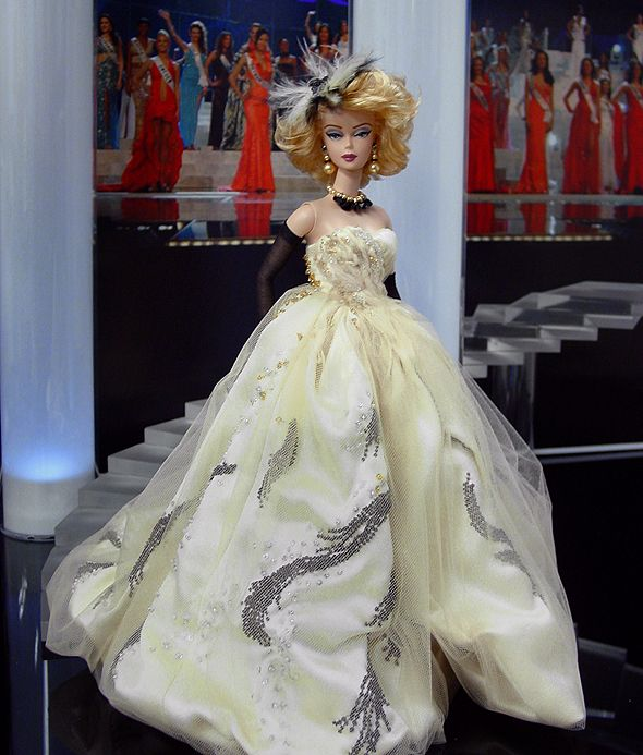 OOAK Barbie NiniMomo's Miss Nebraska 2011