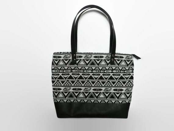 Zippered tote bag  black and white shoulder bag  by PippiesDesign