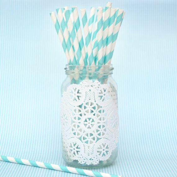 frascos de vidrio con blondas