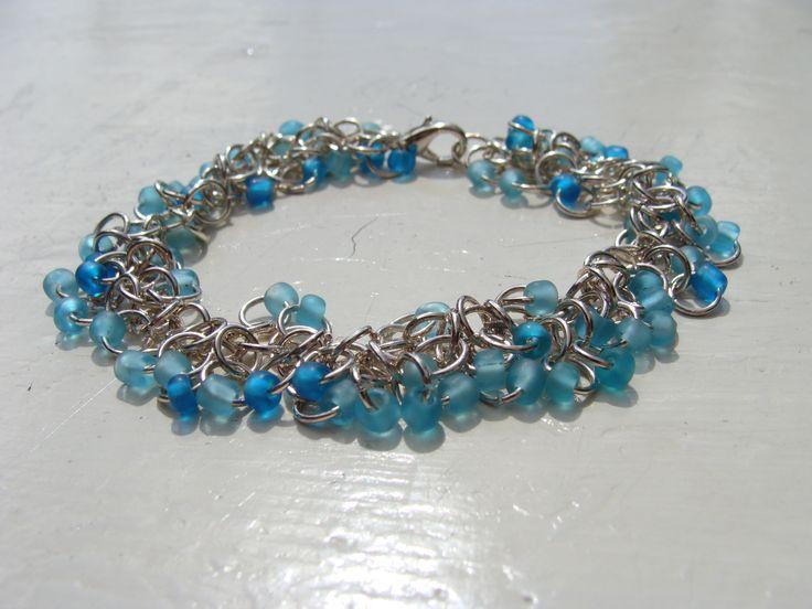 Shaggy loop armbandje lichtblauw