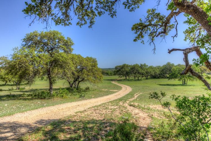 LandsofTexas.com - Land for sale by Spring Branch, Texas - Kendall County - 437 acres - 1075061