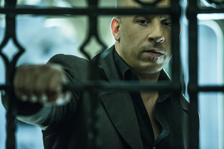 """Seht Vin Diesel als Kaulder in """"The Last Witch Hunter"""". Ab dem 22.10.2015 im Kino! #AxtUndKreuz #kino #VinDiesel"""