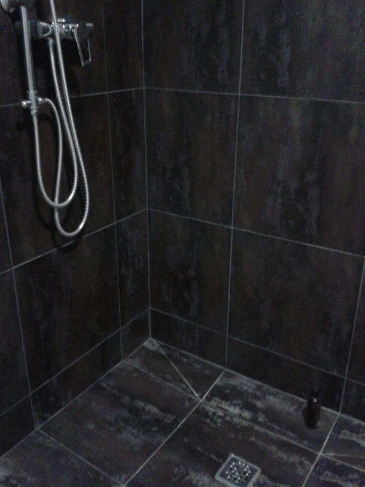 Detalle del alicatado de la ducha en el ba o con paredes - Detalles para el bano ...