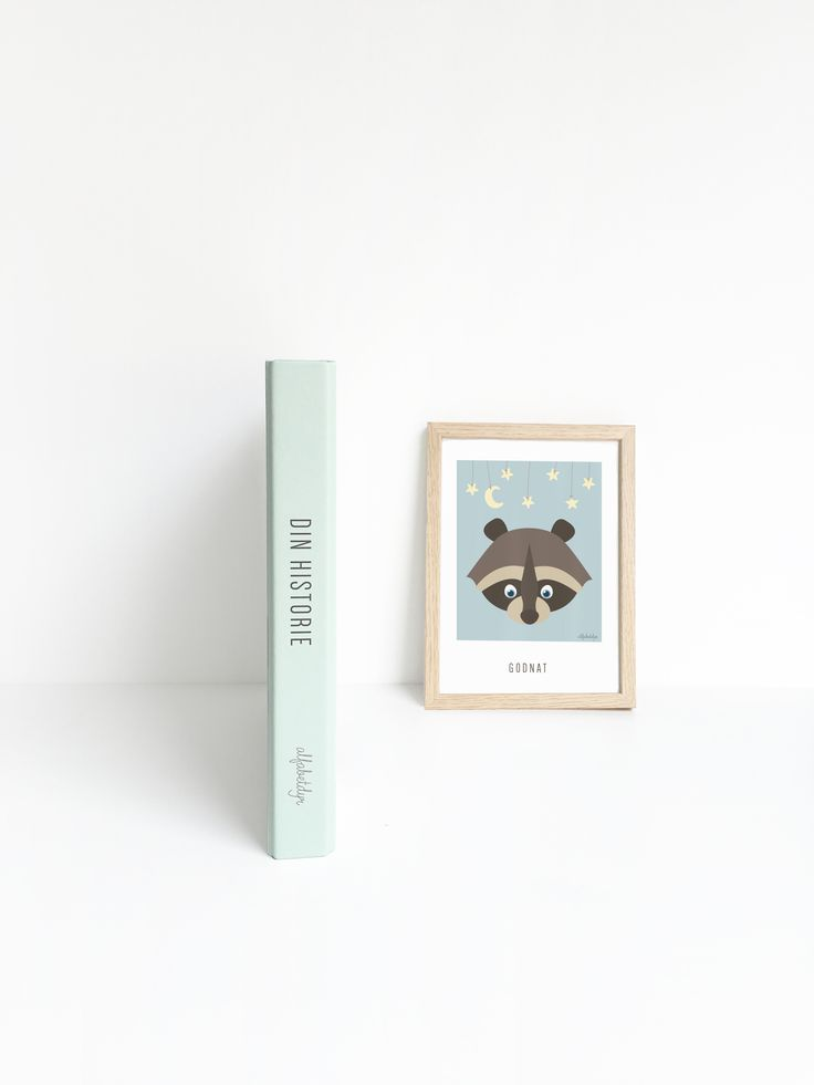 Mint-colored babybook and goodnight-poster from Alfabetdyr.