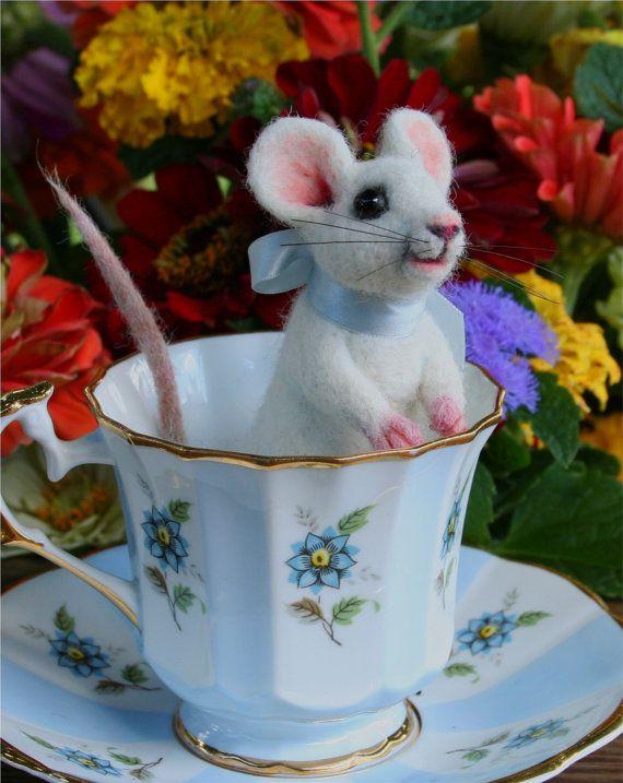 *NEEDLE FELTED ART ~ Life Size White Mouse