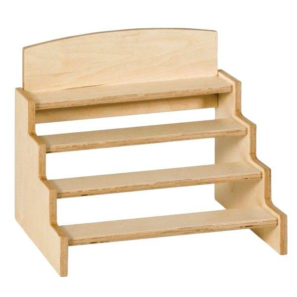 Stand de madera con 4 estantes para poner los bloques que contienen los cilindros con botón. Este material de la metodología Montessori es perfecto para enseñar a los niños elconcepto de tamañoya que los cilindros varían en la altura y en el diámetro. Es ideal comoejercicio visual,ya que al ser todos los cilindros de madera, lo único que varía es el tamaño y el diámetro, de manera que el niño se centra en esas características. Aquí también se juega conel peso,comprobando cómo el…