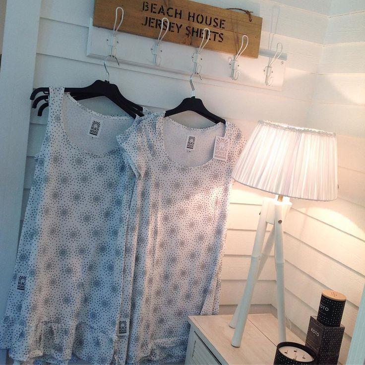 Beach House Companyn superihanat Syksyn UUTUUS YÖPAIDAT printtikuosilla! 🌸💕🌸 Hinta 54.90 e. Koot:S-L. Tervetuloa hakemaan omasi!  @zoomdesign #zoomdesign Nattlinnen Sleep wear #beachhousecompany