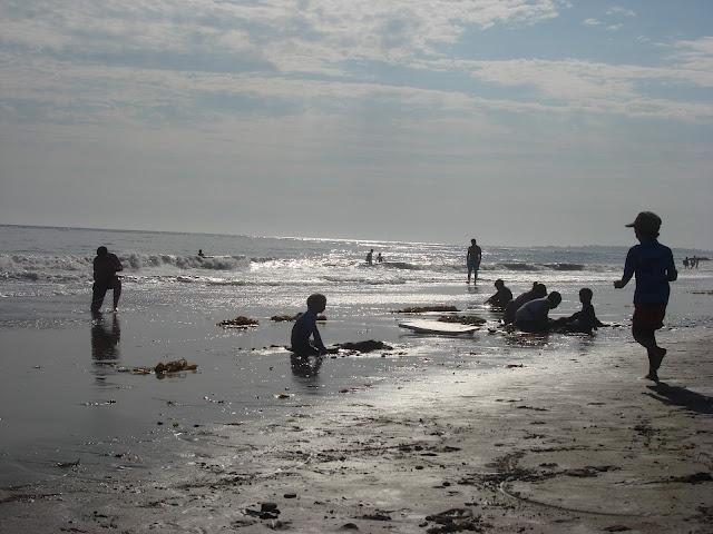 Etiquetas para Marcar Ropa: Miércoles Mudo: jugando en la costa de California