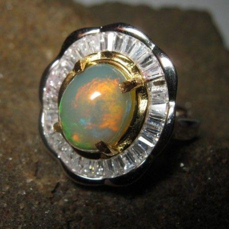 Cincin Silver 925 Rainbow Opal Ring N untuk Wanita. Cincin untuk Wanita Dewasa ini selain berkesan elegan juga cukup exclusive, dengan hiasan batu mulia opal bercahaya pelangi yang dihiasi aksen mirco setting di pinggirnya.