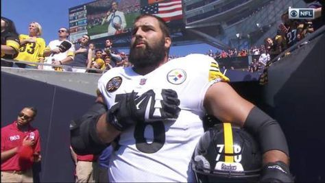 Former Army Ranger is Only Steeler to Stand For National Anthem – Entire Team Hid in the Locker Room (VIDEO)