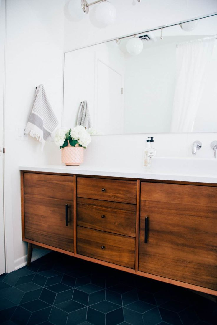 20 Mid Century Modern Bathroom Ideas In 2020 Mid Century Modern Bathroom Mid Century Bathroom Modern Master Bathroom