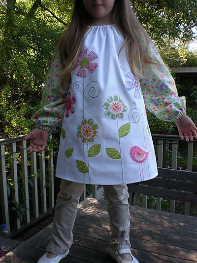 Size 4-7 art smock pattern    Another similar pattern (size 8) here: http://www.lincraft.com.au/files/pdf/190.pdf