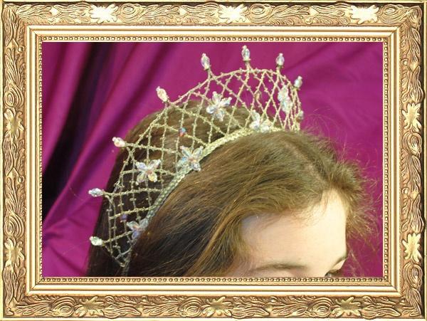 Bridal headdress made in wire bobbin lace.