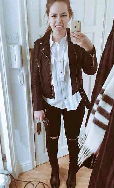 Tanya Burr style : Leather jacket White shirt Black ripped jeans Black boots