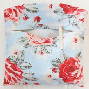 Lovely and quick DIY tutorial for a peg bag.. check my other pins to see one I made using this tutorial!