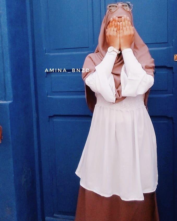 𝕬𝖒𝖎𝖓𝖆 أ مين ة Posted On Instagram ف لنك ن خفافا على القلوب ثقالا في القلوب H Blouse Casual Fashion Hijabi Outfits Casual Muslim Outfits