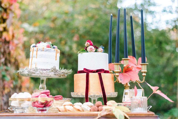 Foto and concept: @beloved_weddings Organizer: @loveweddingco Decor: @pankakertje Venue and car: @villabogart_vendégház Cake: @edes.panna Wedding Dress: @daalarnacouture Groom dress:     @digel_store_budapest Invitation:      @tobozmuvek Table:      @kisdio_ Hairdresser:           @donatczinege Makeup:                           @victoria_beaute_ Jewelry:       @sophiemolnardesign #esküvő #wedding #weddinginspiration #weddingdecor #weddingvenue #villabogartweddings