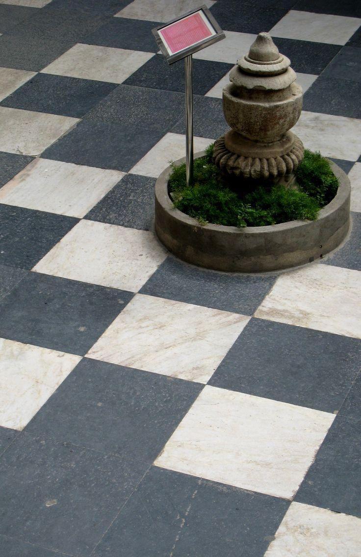 Suelo ajedrezado