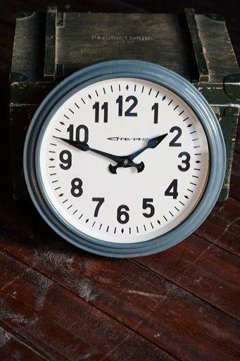 Часы Стрела. loftdesign industrial loft винтаж индусриальныйвинтаж лофт #лофтинтерьер #лофтдизайн #интерьер #декор #длякафе для бара #дляресторана брутальный часы лофт  железный часы  вдом интерьер