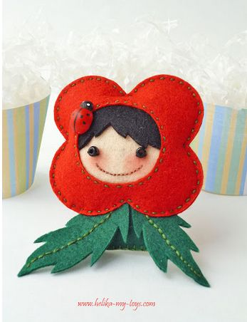 Need something uber cute to cheer you up? Let Elena's hand-made felt dolls put a smile on your face.  More cuteness @  http://www.helika-my-...