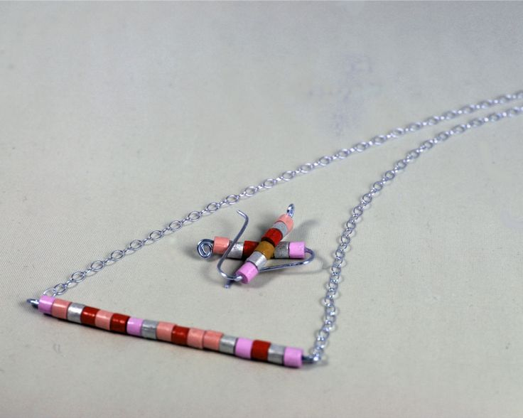 Minimal style trending jewelry set includes a horizontal bar necklace and ear crawler earrings handmade with paper quilled beads.