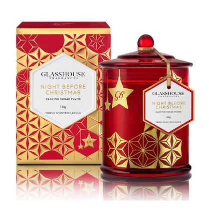 Return of a Christmas favorite. Glasshouse fragrances have delivered again with their very popular Night Before Christmas Scented Candle. Strong fruit notes of red currants, plums and citrus with the spicy notes we all associate with the Christmas season mingled in. The superior design of the double-wick allows the candle to burn efficiently. Enjoy Night Before Christmas for as much as 80 hours of burn-time.