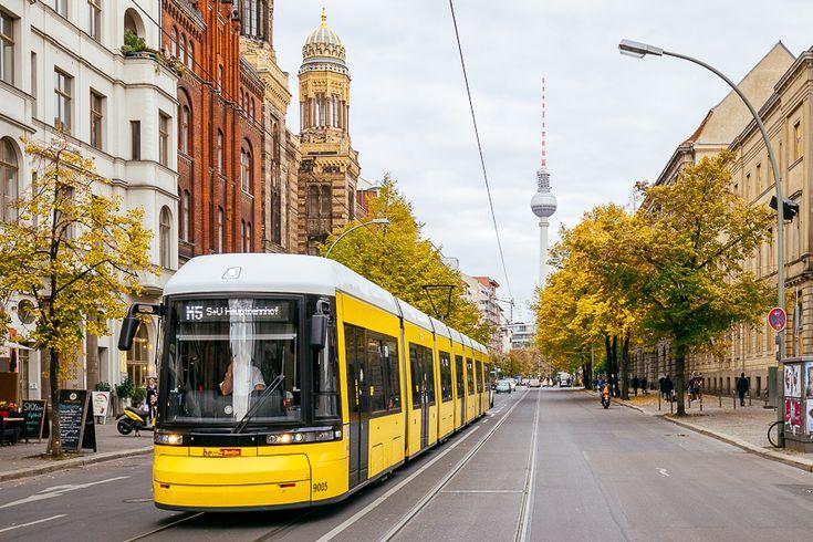 Hoe het openbaar vervoer in Berlijn werkt? Ik vertel het je op mijn blog! Alles over zones,prijzen, tickets en kortingen lees je hier.