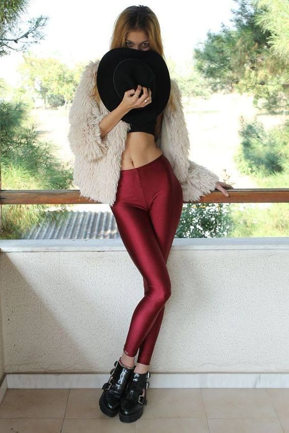 PCP leggings are here and are ready to conquer your wardrobe and your everyday outfits!  Available in more than 20 colours!