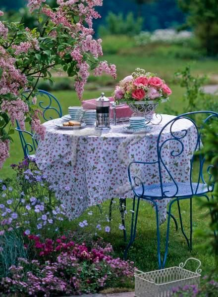 243 best tea in the garden images on pinterest for Table jardin beauty