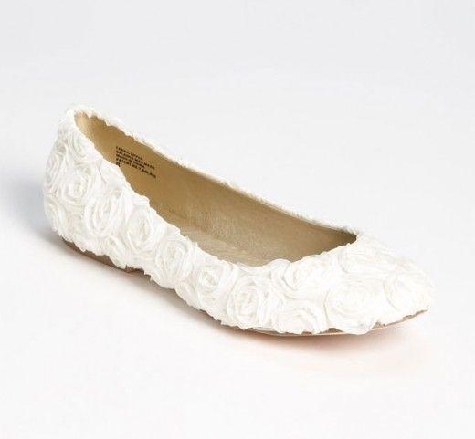 sapatos-de-noiva-para-casamentos-ao-ar-livre