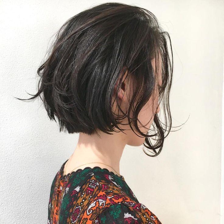 いいね!91件、コメント9件 ― Satoshi Matsumotoさん(@mtmtsts)のInstagramアカウント: 「お客様スタイル ショート風ボブ  顔にかかる髪がtrès Co✨✨✨oool 気分軽さと抜け感のあるボブショートです  カット¥7200 #hair #bob #shima…」