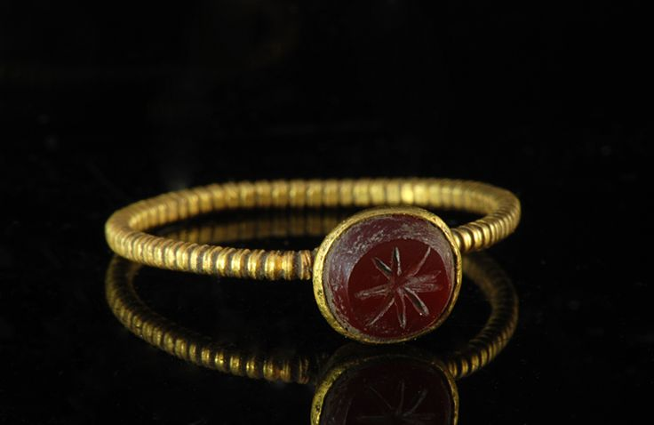 Roman Gold Finger Ring with Carnelian Stone    Circa 2nd Century AD