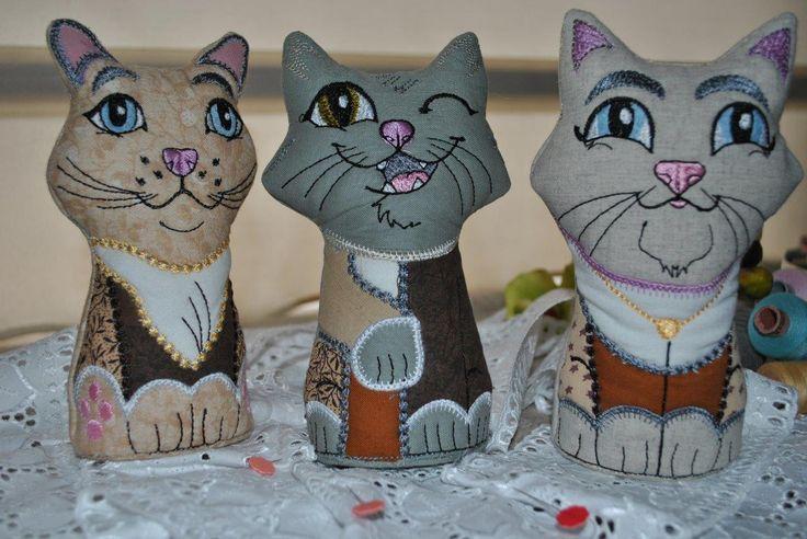 Pincushion Kitties