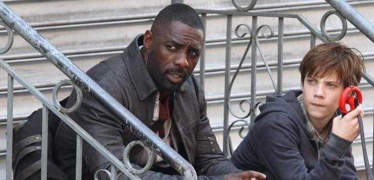 A Torre Negra é uma das sagas mais icônicas e famosas do lendário escritor de horror, Stephen King, e nós já estamos chegando cada vez mais próximos do dia do lançamento da primeira adaptação desta grande saga de livros para o cinema, sendo estrelada por Idris Elba. Nesta Segunda-Feira, o Twitter da Sony Pictures divulgou …