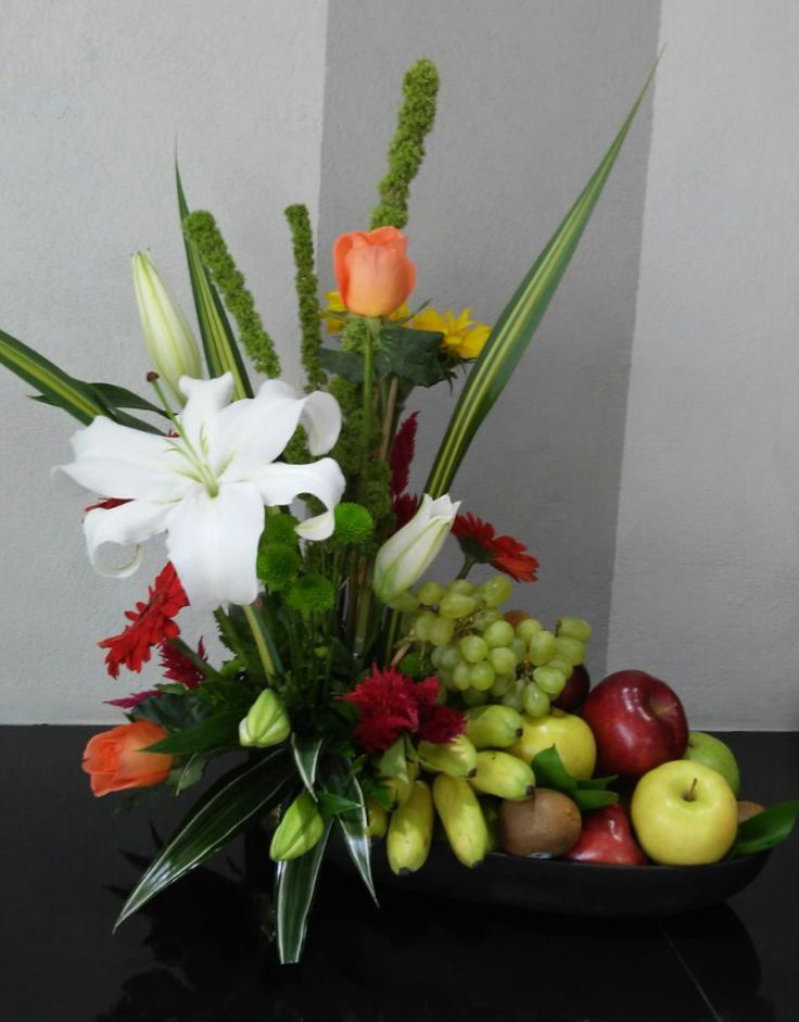 fruits / flowers