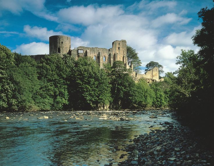 Barnard Castle in Durham County Durham - The fortified walls of Barnard Castle rise dramatically above the town of the same name, perched on the cliffs above the tumbling River Tees