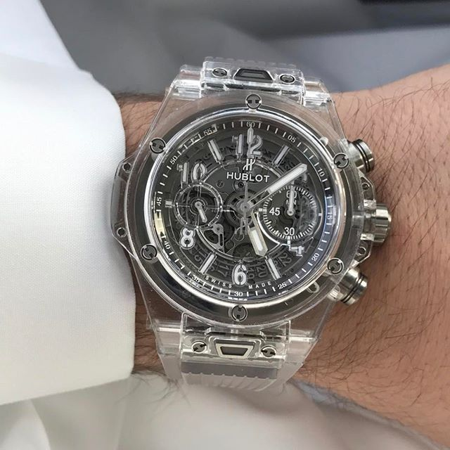 REPOST!!!  Happy Friday ❤️🙏🏻 #hublot#bigbang#luxury#luxurylife#luxurywatches#watches#wristwatch#wristshot#sapphire#chronograph#kuwait#dubai#dxb#doha#qatar#muscat#oman#bahrain#friday#tgif  Photo Credit: Instagram ID @q8horology1