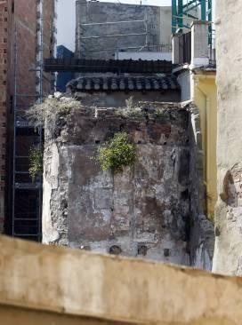 Problemes econòmics en l'expropiació de vivendes per a la restauració de la muralla islàmica de València (Levante-EMV_08/05/2014)
