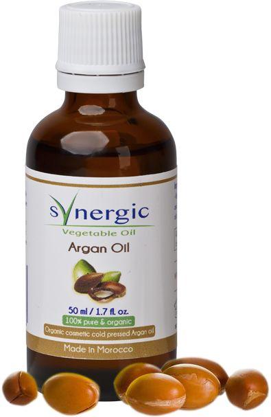 Масло  Аргании является органическим продуктом, который получают из семян дерева аргании, которое растет в Марокко . Это красивого золотистого цвета масло очень полезно для кожи и волос, так как содержит много таких питательных веществ как жирные кислоты и витамин Е. Оно легко впитывается, не раздражает кожу и не имеет комедогенного эффекта. Это косметическое масло стало очень популярным среди знаменитостей и многих людей в разных странах. Действие: Масло идеально для кожи лица, тела и…