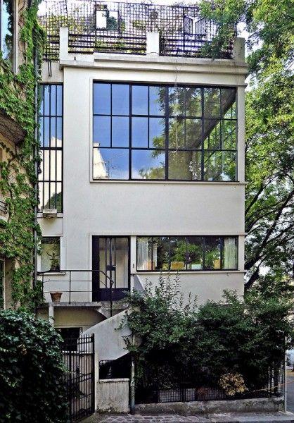 Maison Ozenfant. Paris, France. 1922. Le Corbusier More news about worldwide cities on Cityoki! http://www.cityoki.com/en/ Plus de news sur les grandes villes mondiales sur Cityoki : http://www.cityoki.com/fr/