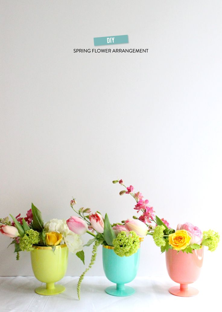 DIY Spring Flower Arrangement | Photography: Valley & Co. - valleyandco.com