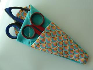 Petits Pirates: Deftige stofschaar bescherming. Fabric scissor protection