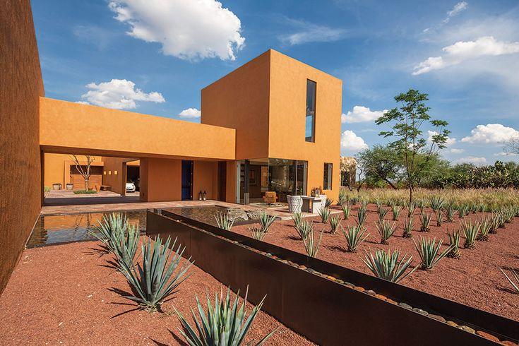 El exterior de la Casa Bajío.   Galería de fotos 2 de 10   AD MX