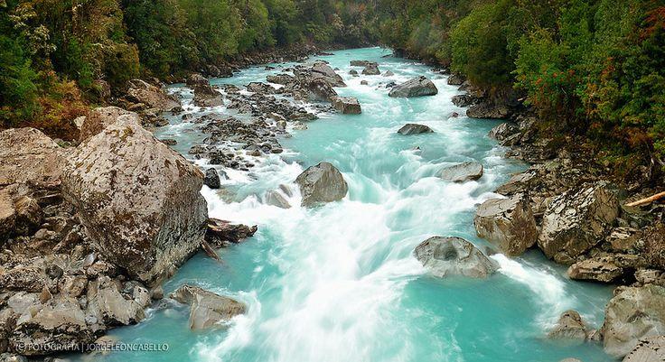 Rio Blanco . Hornopiren (Patagonia - Chile)